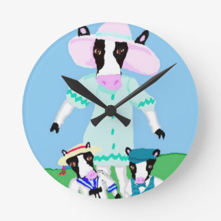 Moohug Designs With Mama Cow And Calves Round Clock
