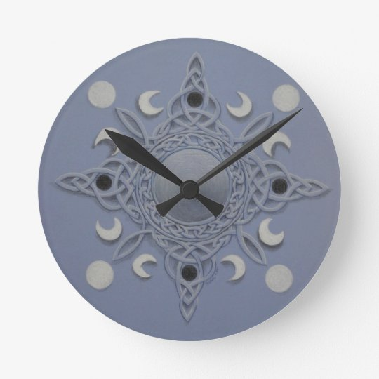 Moon cycle -celtic knot round clock