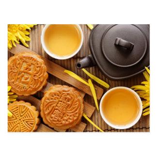 Mooncake y té, mediados de festival chino 2 del ot tarjeta postal
