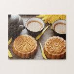 Mooncake y té, mediados de festival chino del otoñ rompecabeza con fotos