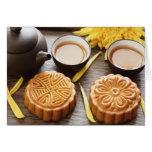 Mooncake y té, mediados de festival chino del otoñ tarjeta de felicitación