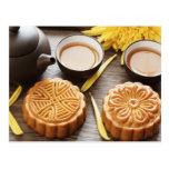 Mooncake y té, mediados de festival chino del otoñ tarjetas postales