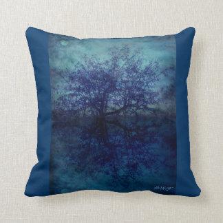 Moonriver cushion