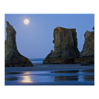 Moonset, Bandon Beach, Oregon. Poster