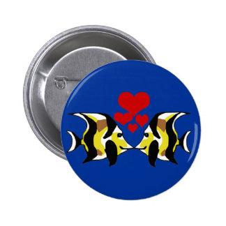 Moorish Idol  kissing button
