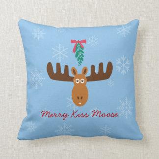 Moose Head_Merry Kiss Moose_Happy Gnu Year! Throw Pillow