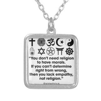 Moralejas de la religión collar plateado