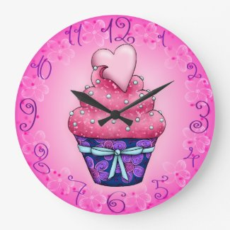 Cupcake with heart Large Clock