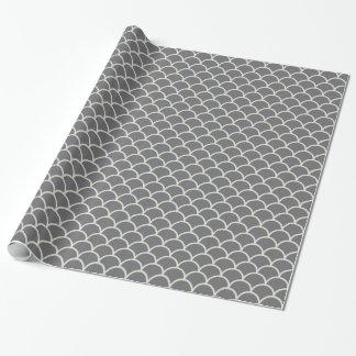 Moreno en el papel de envoltorio para regalos gris papel de regalo