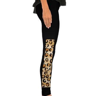 Moreno negro y modelo del estampado leopardo de B