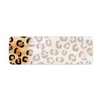 Moreno, negro y modelo del estampado leopardo de B Etiquetas De Remite