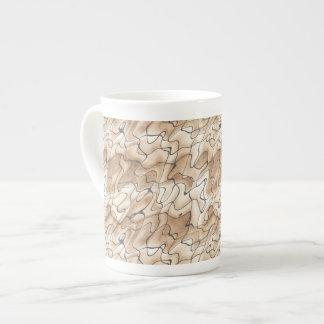 Moreno y beige con las líneas Squiggly negras Taza De Porcelana