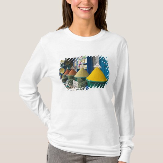 MOROCCO, Atlantic Coast, ESSAOUIRA: Spice Market T-Shirt