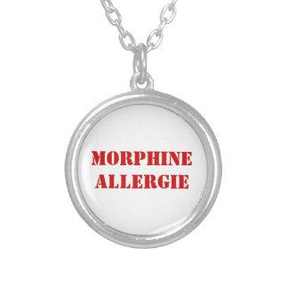 MORPHINE ALLERGIE ROUND PENDANT NECKLACE