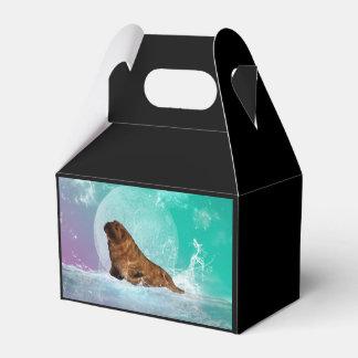 Morsa linda con el chapoteo del agua caja para regalo de boda
