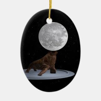 Morsa que equilibra la luna ornaments para arbol de navidad