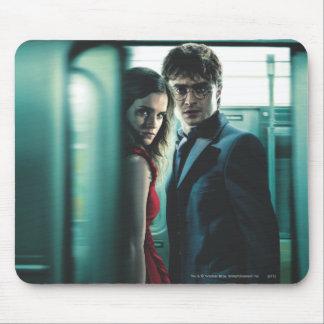 Mortal santifica - Harry y Hermione Alfombrillas De Ratón