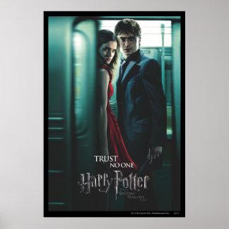 Mortal santifica - Harry y Hermione Póster