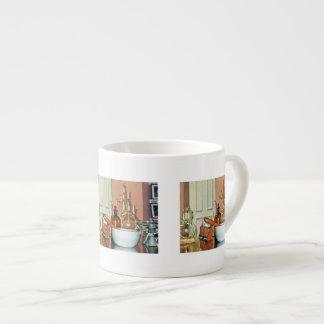 Mortero y maja en tienda del perfume taza de espresso
