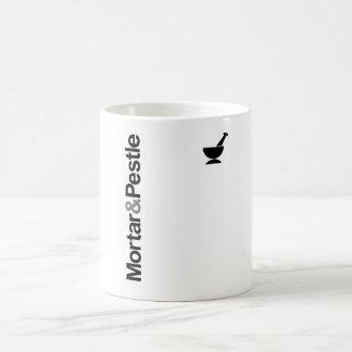 Mortero y maja taza de café