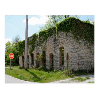 Mortuorio y fábrica del ataúd en la ruta 66 postal