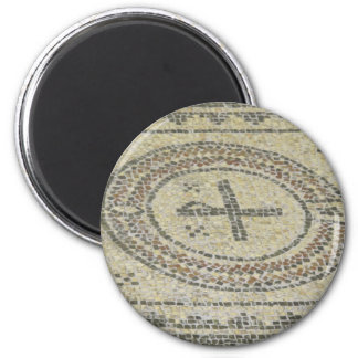 Mosaic floor magnet