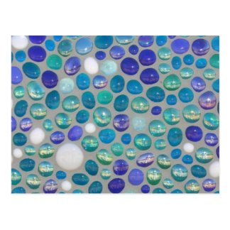Mosaico de cristal azul del guijarro postal