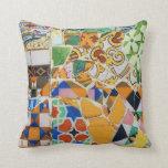 Mosaico de Gaudi Cojin