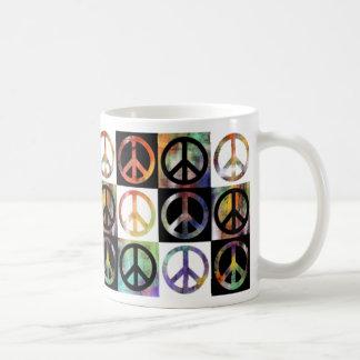 Mosaico del signo de la paz tazas de café