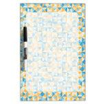 Mosaico en azul y naranja pizarras blancas