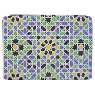 Mosaico en los dado de la puerta en el pasillo de cubierta de iPad air