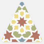 Mosaico geométrico de arabescos de Marruecos. Pegatina Triangular