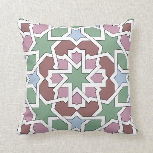 Mosaico marroquí de trazado geométrico en cojin