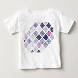 Mosaico púrpura y blanco playera