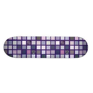 Mosaico púrpura y blanco skateboard