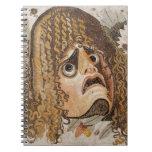 Mosaico romano, con la máscara, las hojas y la fru cuaderno