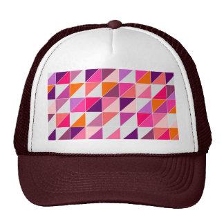 Mosaico rosado del triángulo que envuelve el diseñ gorro de camionero