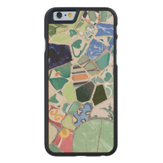 Mosaicos de Guell del parque Funda De iPhone 6 Carved® De Arce