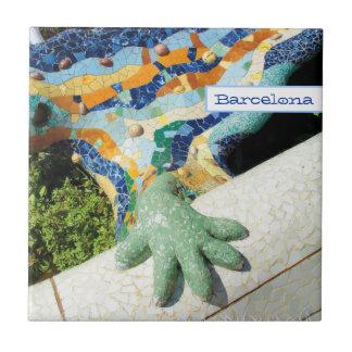 Mosaicos de la mano del lagarto de Barcelona Azulejo Cuadrado Pequeño