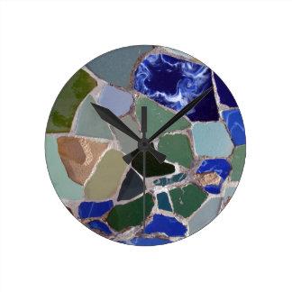 Mosaicos del azul de Antonio Gaudi Reloj Redondo Mediano