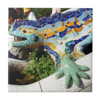 Mosaicos del lagarto de Gaudi Teja