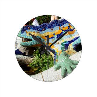 Mosaicos del lagarto de Gaudi Reloj Redondo Mediano