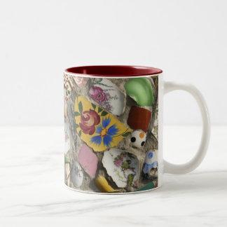 Mosaicos retros taza de dos tonos