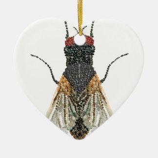 mosca de la casa. adorno de cerámica en forma de corazón