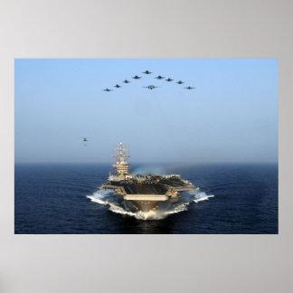 Mosca encima de USS Dwight D Eisenhower CVN 69 Impresiones