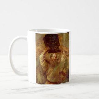 Moses con las tabletas de la ley de Rembrandt Taza Clásica