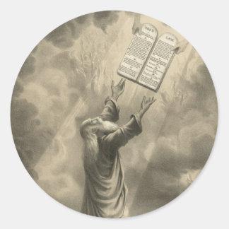 Moses que recibe la ley los diez mandamientos pegatina redonda