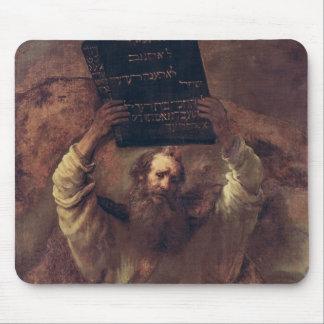 Moses que rompe las tabletas de la ley 1659 tapetes de ratones