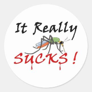 Mosquito de la sangre lleno pegatina redonda