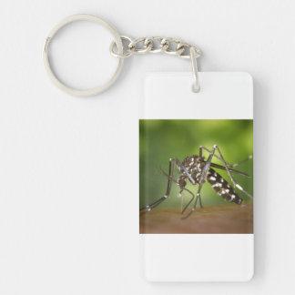 Mosquito del tigre llavero rectangular acrílico a una cara